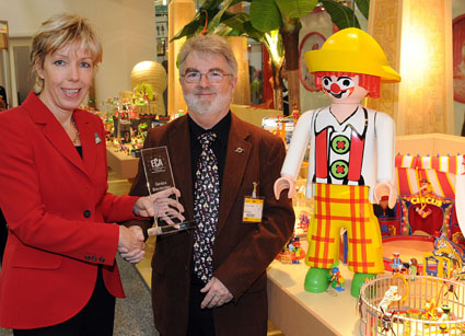 Playmobil_Award_2008_low.JPG (58872 bytes)