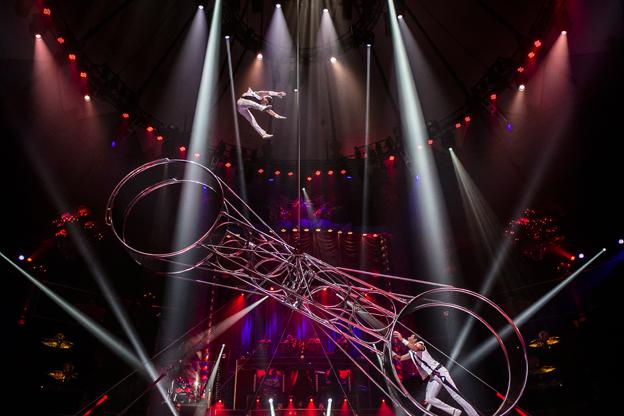 cirkusrevyen 2014 anmeldelse
